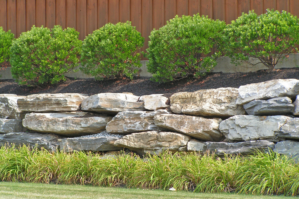 Landscaping-with-large-rocks